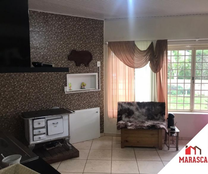 Casa de 5 dormitório(s) no bairro Carneiros em Lajeado