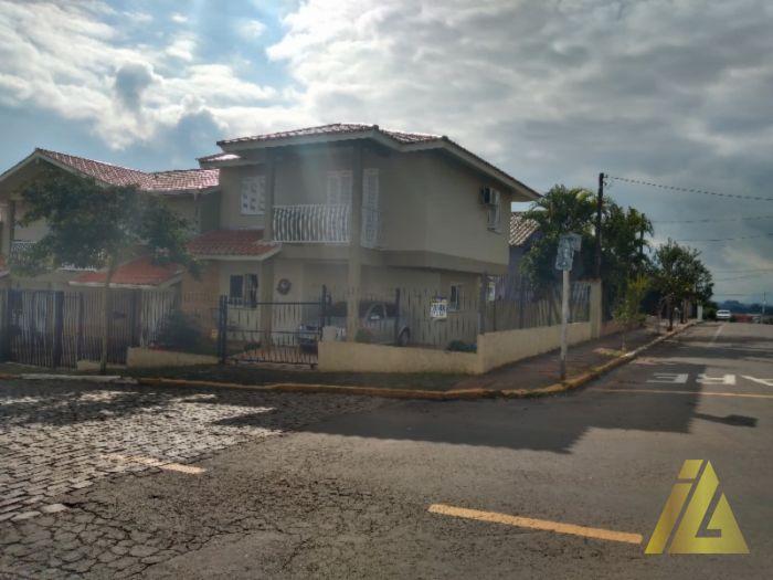 Sobrado de 3 dormitório(s) - Indústrias em Estrela