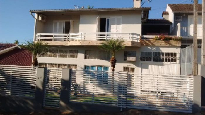 Casa de 3 dormitórios no bairro Carneiros em Lajeado