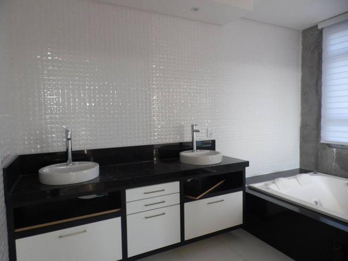 Casa de 4 dormitórios no bairro Alto da Bronze em Estrela