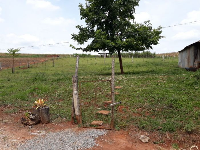 Rural - Chácara/Sítio de 2 dormitórios no bairro Linha Harmonia em Teutônia