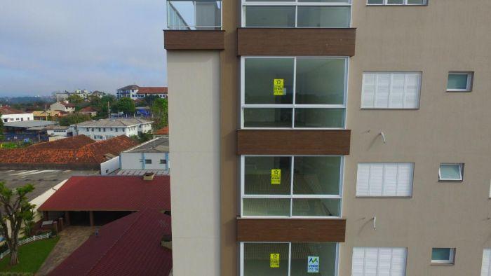 Apartamento no bairro Oriental em Estrela
